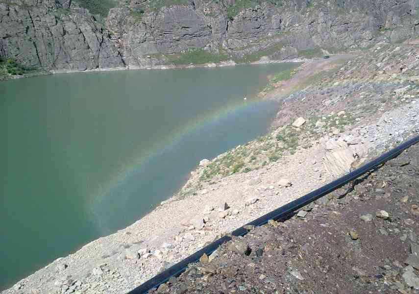 آبشار سد زاوین