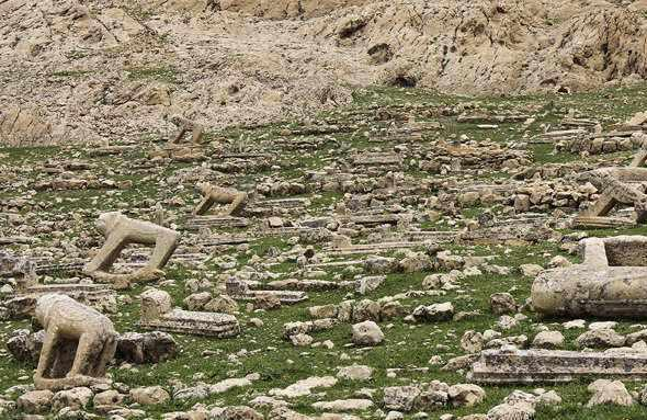 قبرستان شیرهای سنگی شهسوار