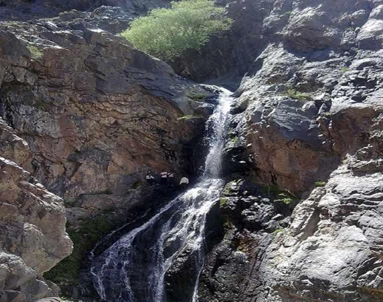 آبشار طویل کوه شاه رابر