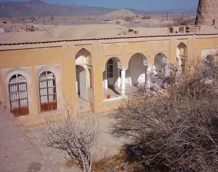 قلعه و چهار برج شاهرخ خان