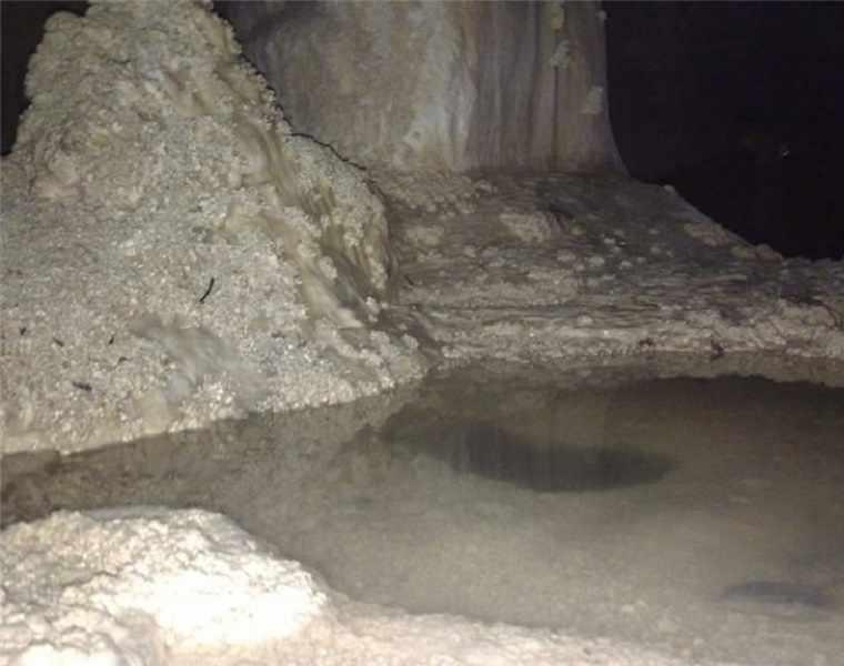غار قندیلی شیر بند دامغان