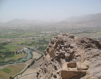 غار ها و پناهگاه های قلعه بزی شهرستان مبارکه