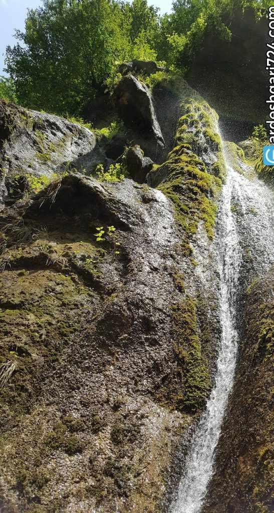 آبشار باران کوه، یکی از آبشارهای زیبای خزه ای ایران