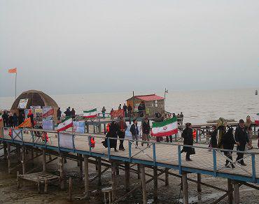 اسکله بندر ترکمن، محلی برای ماهیگیری و قایقرانی