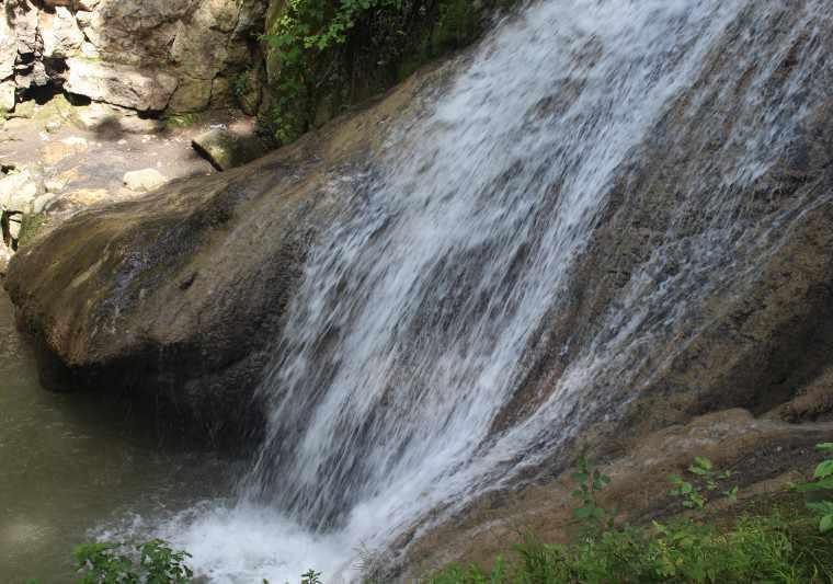 مجمومه آبشارهای لوه، آبشارهای پله ای ایران
