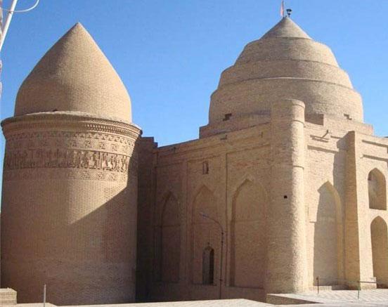 امامزاده زید و رحمان (ع) یا سه گنبدان، ترکیب زیبای سه دوره تاریخی