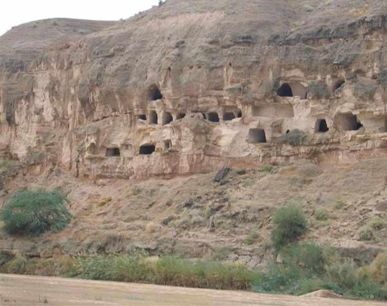 غار چهل خانه