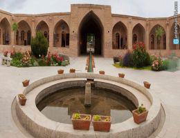 کاروانسرای شاه عباسی، کاروانسرای صفویه و پادگان قاجاریه