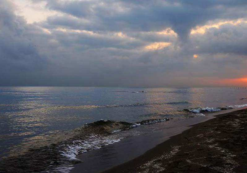 دهکده ساحلی بندر انزلی