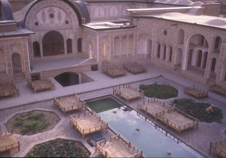 خانه طباطبایی های کاشان، عروس خانه های ایران