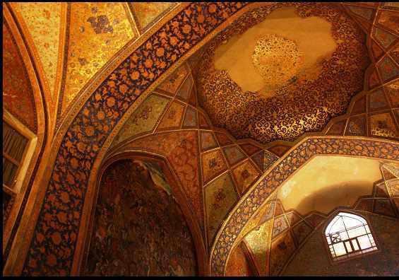 چهل ستون اصفهان، از زیباترین بناهای ایران