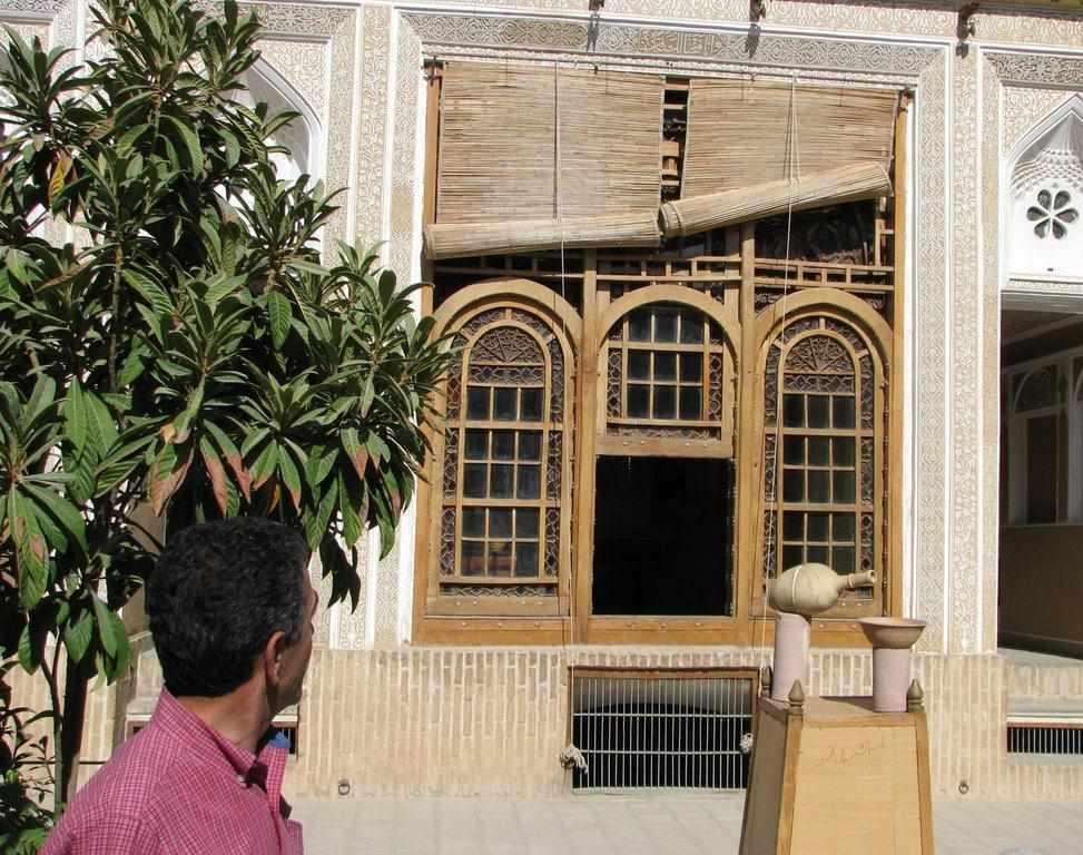 موزه سکه و مردم شناسی حیدرزاده یزد