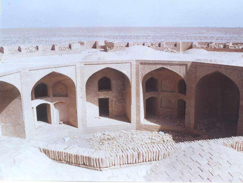 کاروانسرای زین الدین مهریز، نگینی بر انگشتر کویر