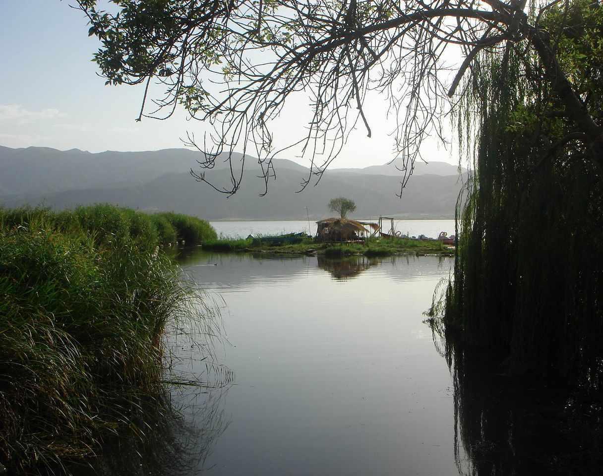 دریاچه زریوار